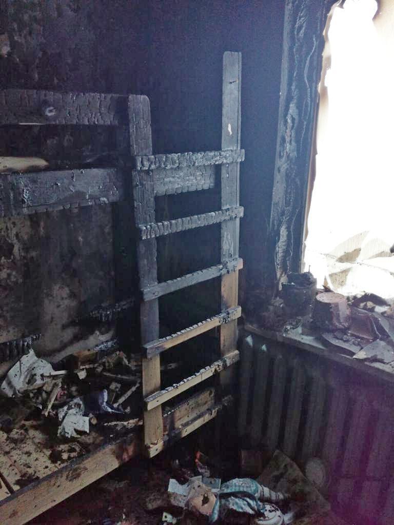 В Кировской области пожарные спасли из огня 4 детей.