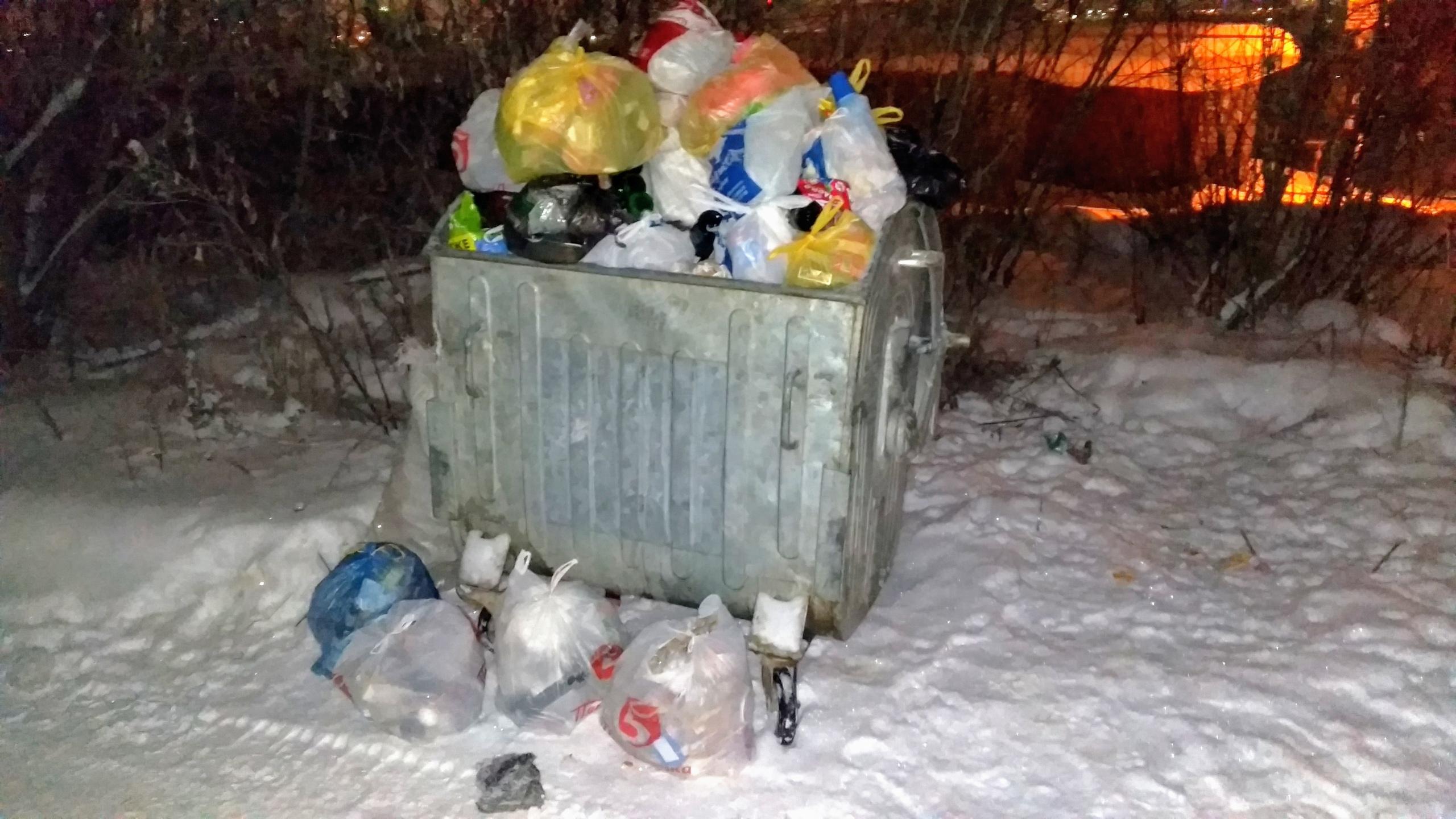 В Кирове и области поменяют график очистки контейнерных площадок.