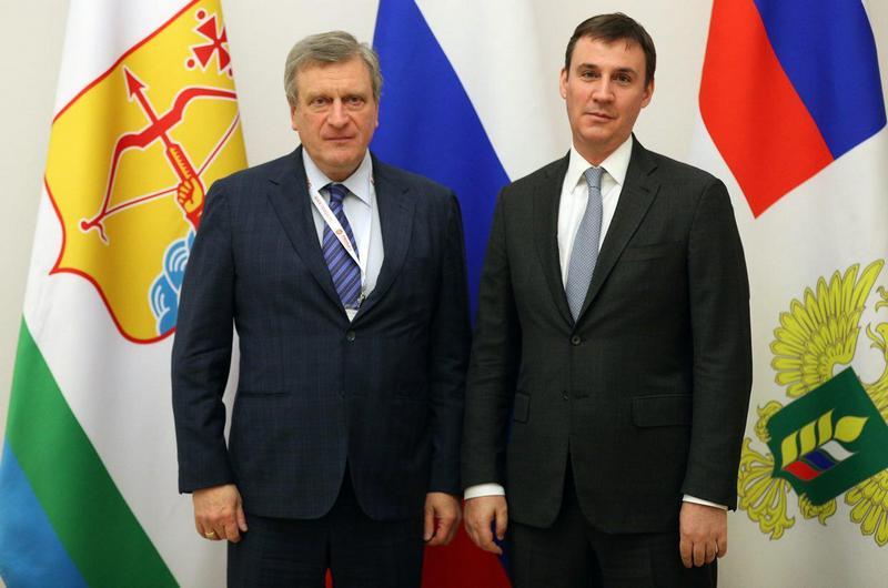 Игорь Васильев обсудил с министром сельского хозяйства РФ развитие АПК Кировской области.