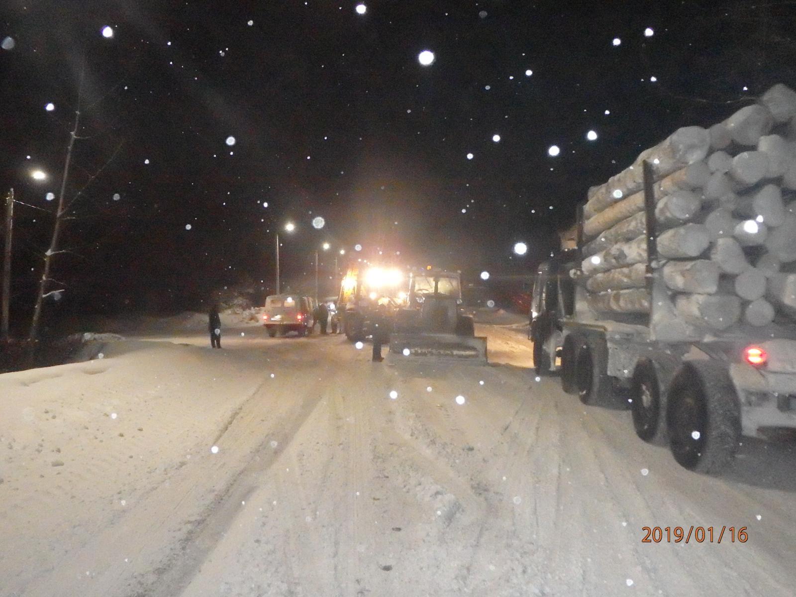 В Кирово-Чепецком районе столкнулись экскаватор, трактор и
