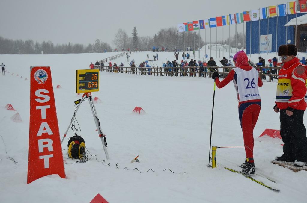 Кировские лыжники завоевали две медали юношеского первенства России.