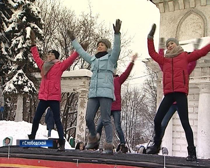 В Слободском жители вышли поддержать проект реставрации главной городской площади