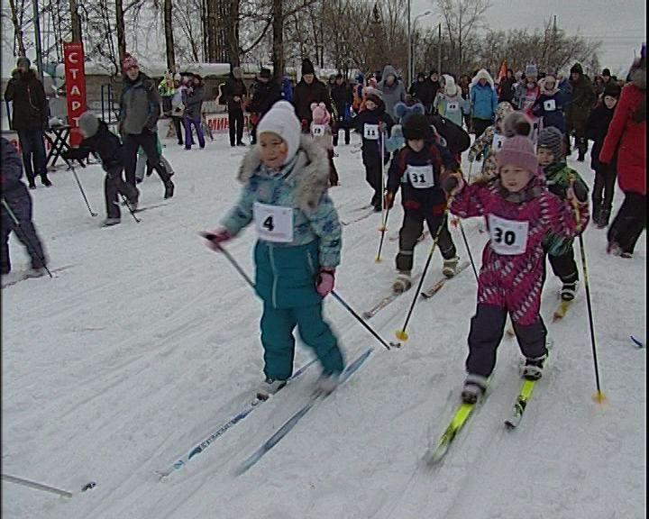 В Кирове прошла лыжная гонка