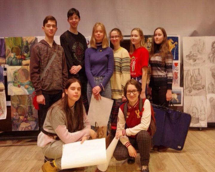 Юные кировские художники вошли в число победителей межрегионального конкурса