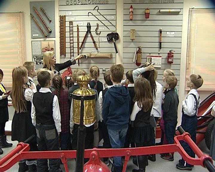 Кировские школьники побывали на экскурсии в музее МЧС