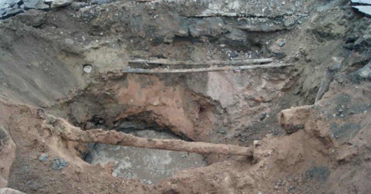 В Кирове строители повредили водопровод.