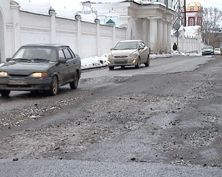 В Кирове стартовал ямочный ремонт дорог