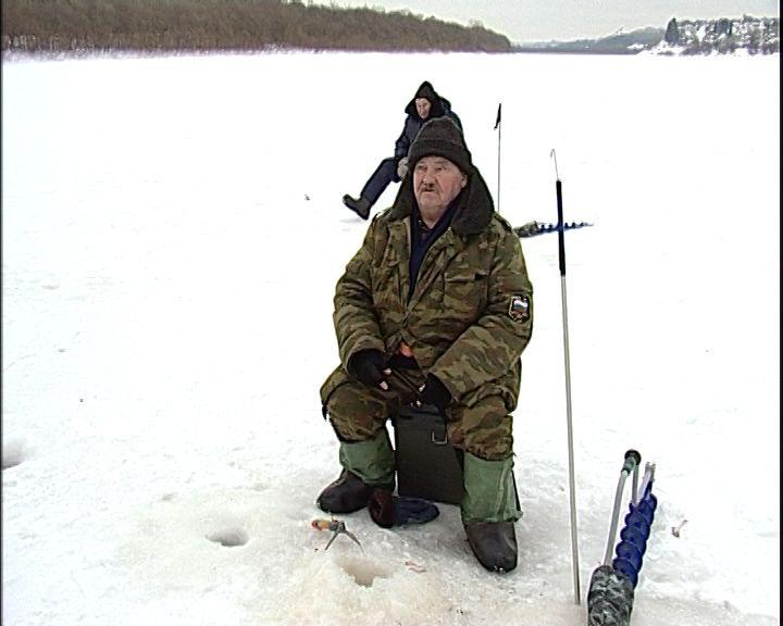 Сотрудники МЧС предупреждают, что лед на водоемах скоро станет опасен