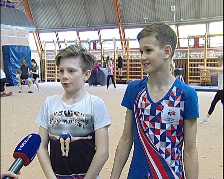 Кировские акробаты завоевали серебро первенства России
