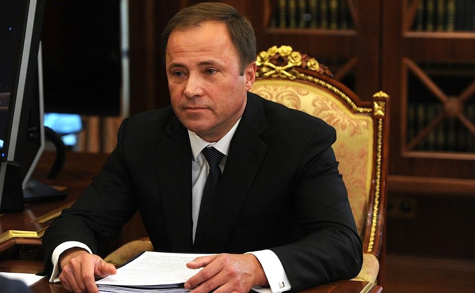 Полпред Президента РФ в ПФО Игорь Комаров задекларировал доход за 2018 год в размере 657 млн. рублей.