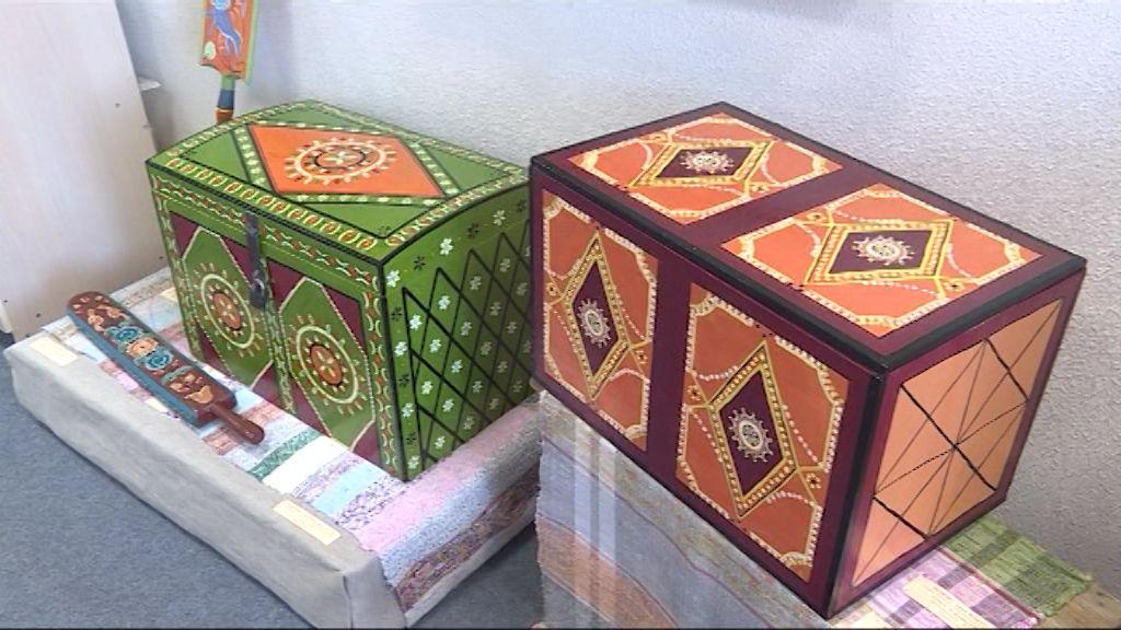 Вятская кистевая и сундучная роспись в Музее дымковской игрушки