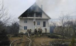 В районе Ганино от огня пострадали два коттеджа.