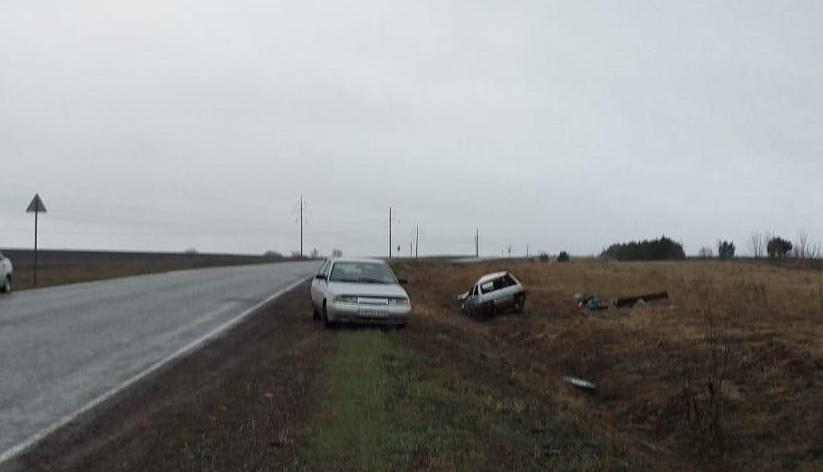 В Малмыжском районе ВАЗ-2114 вылетел в кювет: 1 человек погиб.
