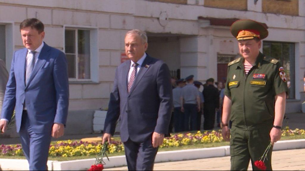 Кировчане почтили память героев ВОВ