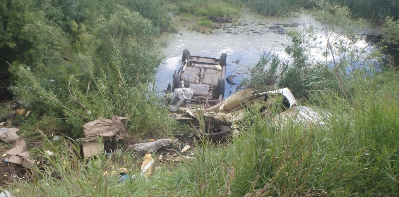 В Кирово-Чепецком районе в придорожной канаве утонул ВАЗ-21140.