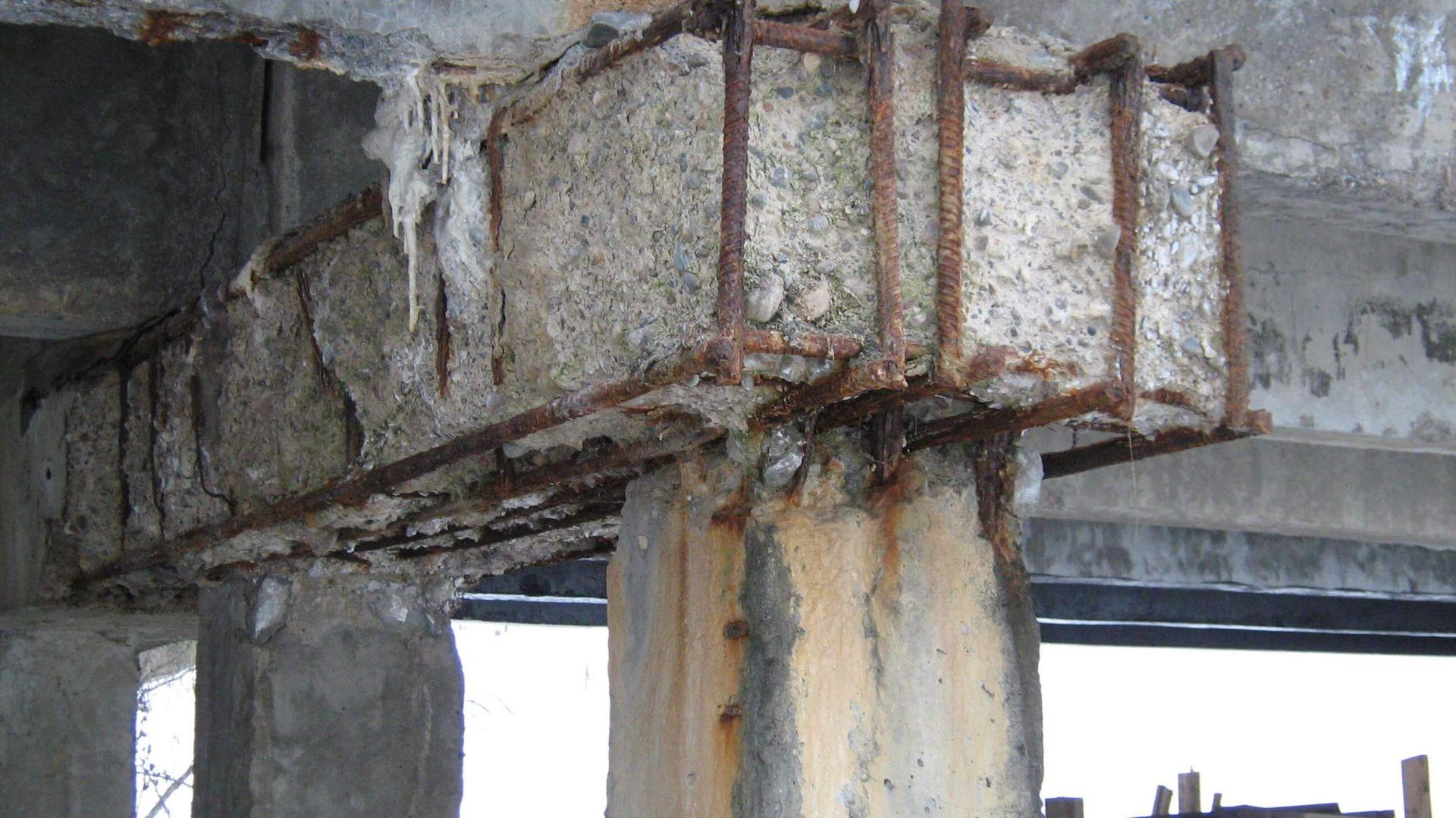 В Кирове выявили многочисленные нарушения при эксплуатации мостовых сооружений.