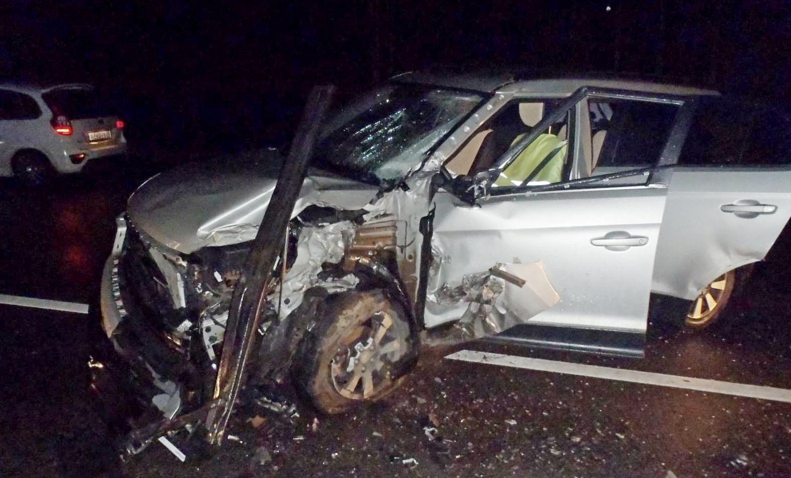 В Кирове нетрезвый водитель иномарки врезался в фуру.