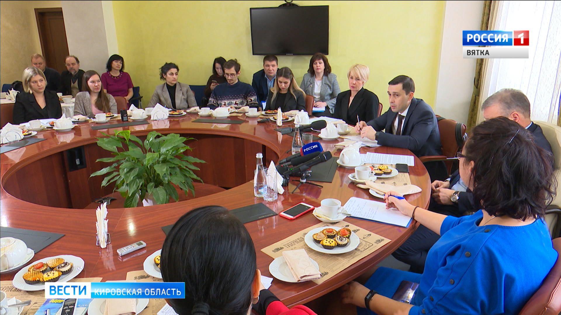 На встрече с журналистами Игорь Васильев обсудил тему развития образования в регионе