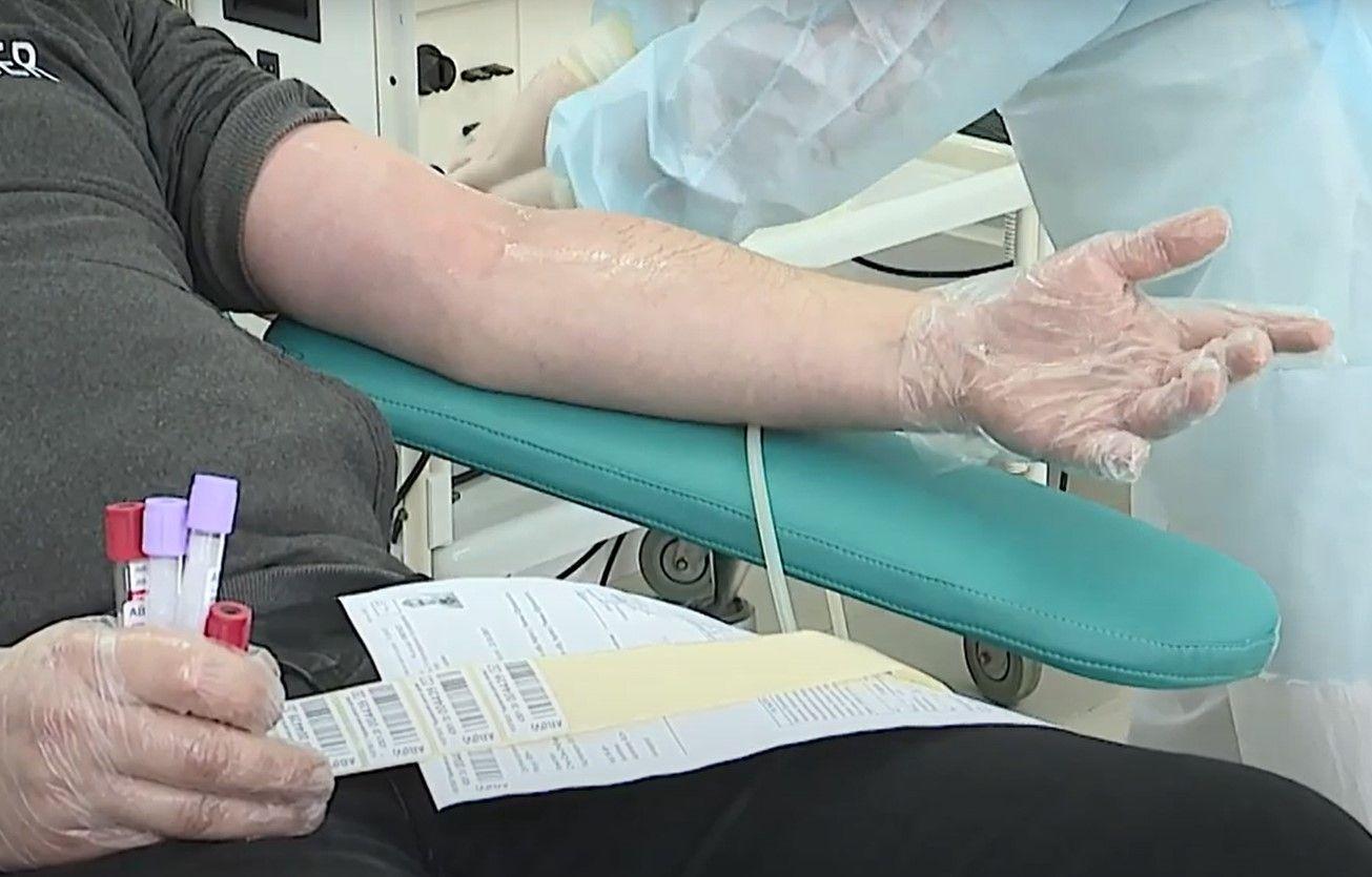 В Кирове готовы лечить COVID-19 донорской плазмой