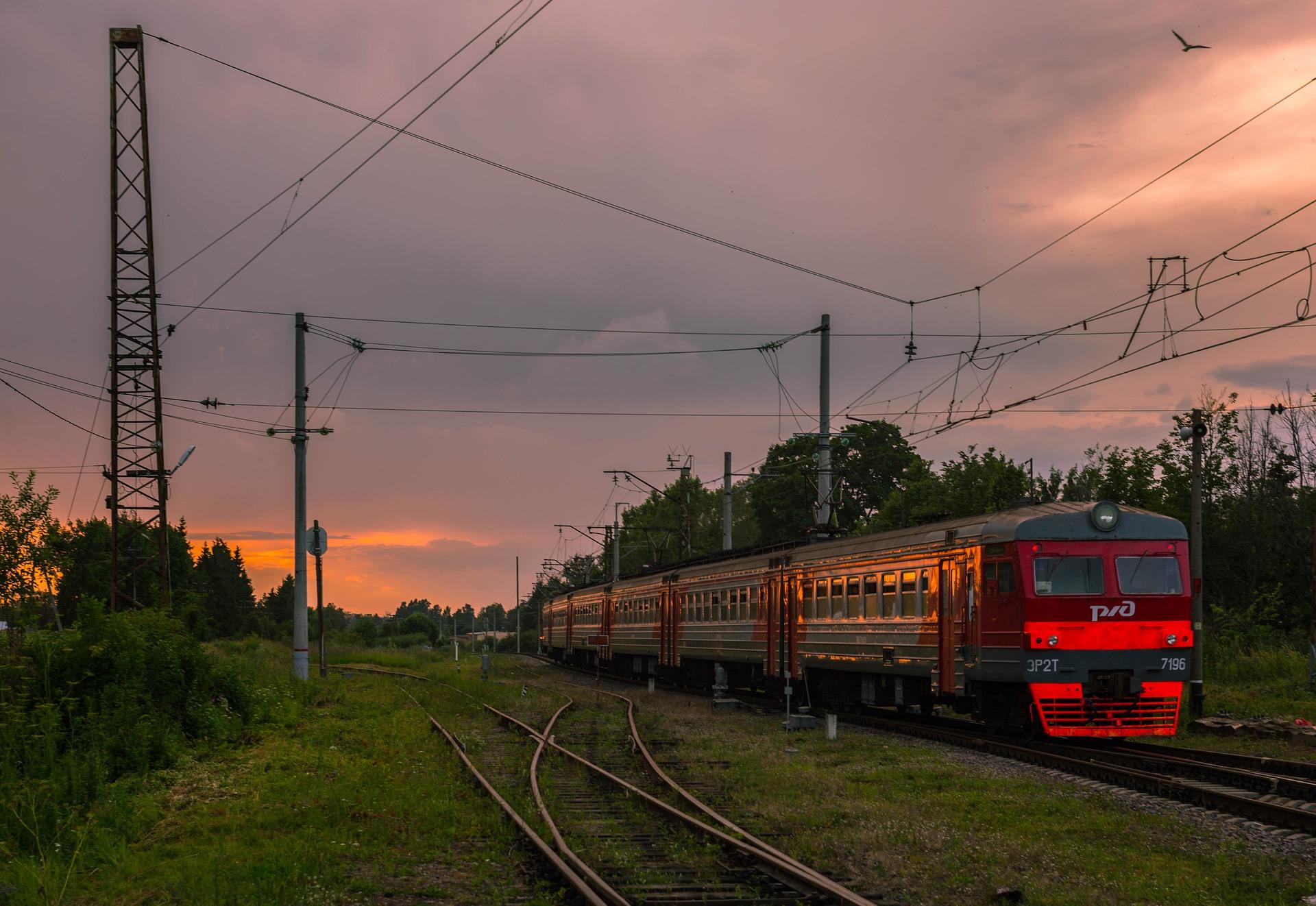 В Кировской области отменили три пригородных поезда