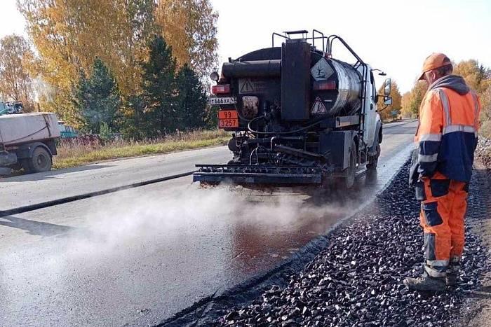В Кировской области отремонтируют еще 59 километров дорог