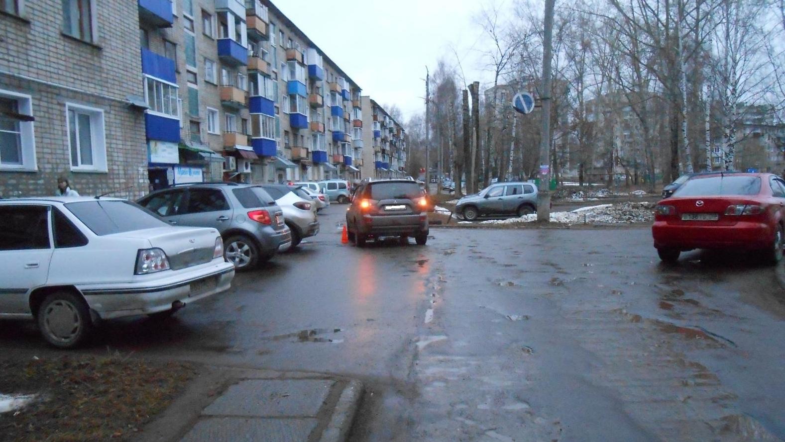 В Кирово-Чепецке водитель «Мицубиси» сбил мальчика во дворе