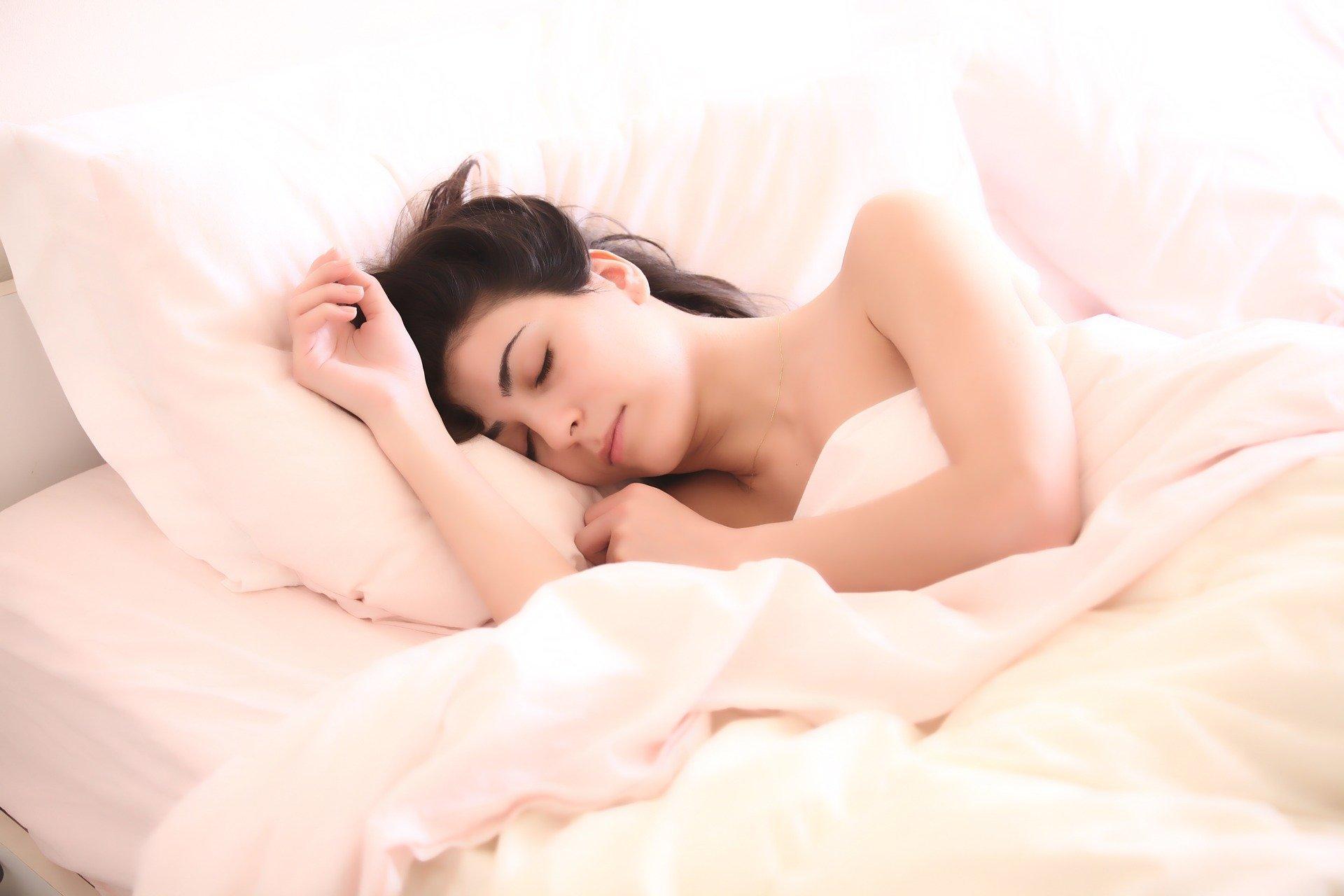 Врач назвала слишком длинный сон признаком болезни