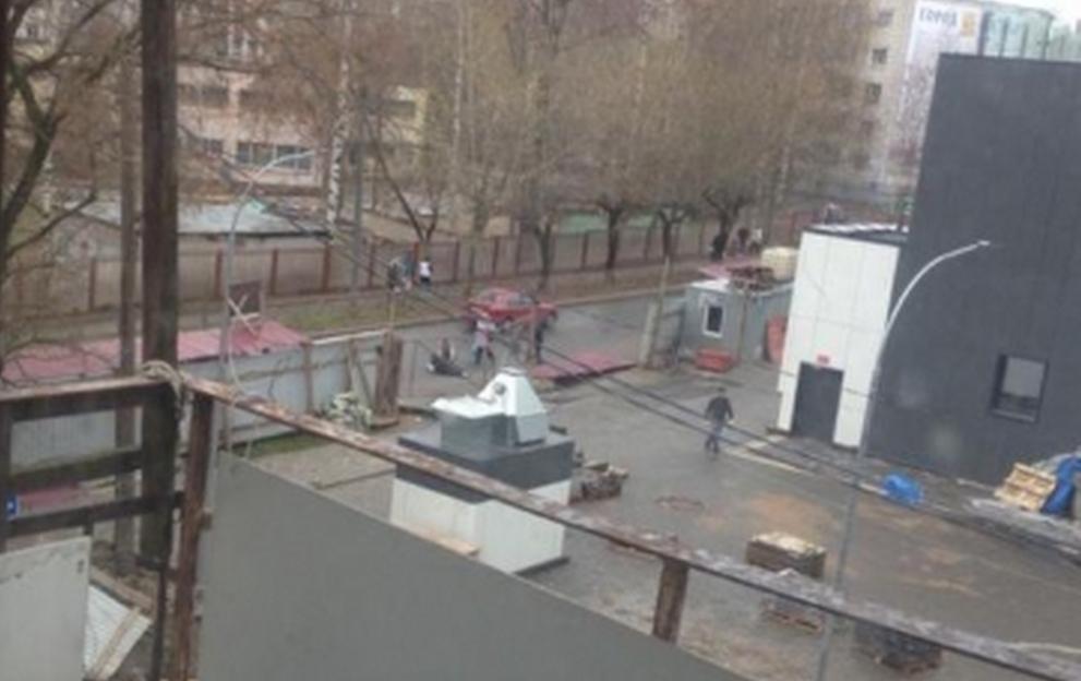 В Кирове возбудили уголовное дело из-за падения забора на женщину