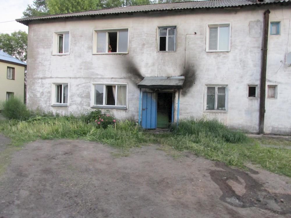 В Котельниче произошел пожар в подъезде многоквартирного дома