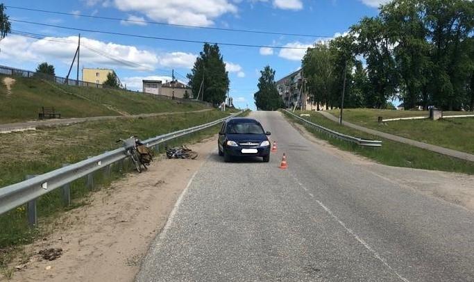 В Кировской области водитель мопеда столкнулся с автомобилем