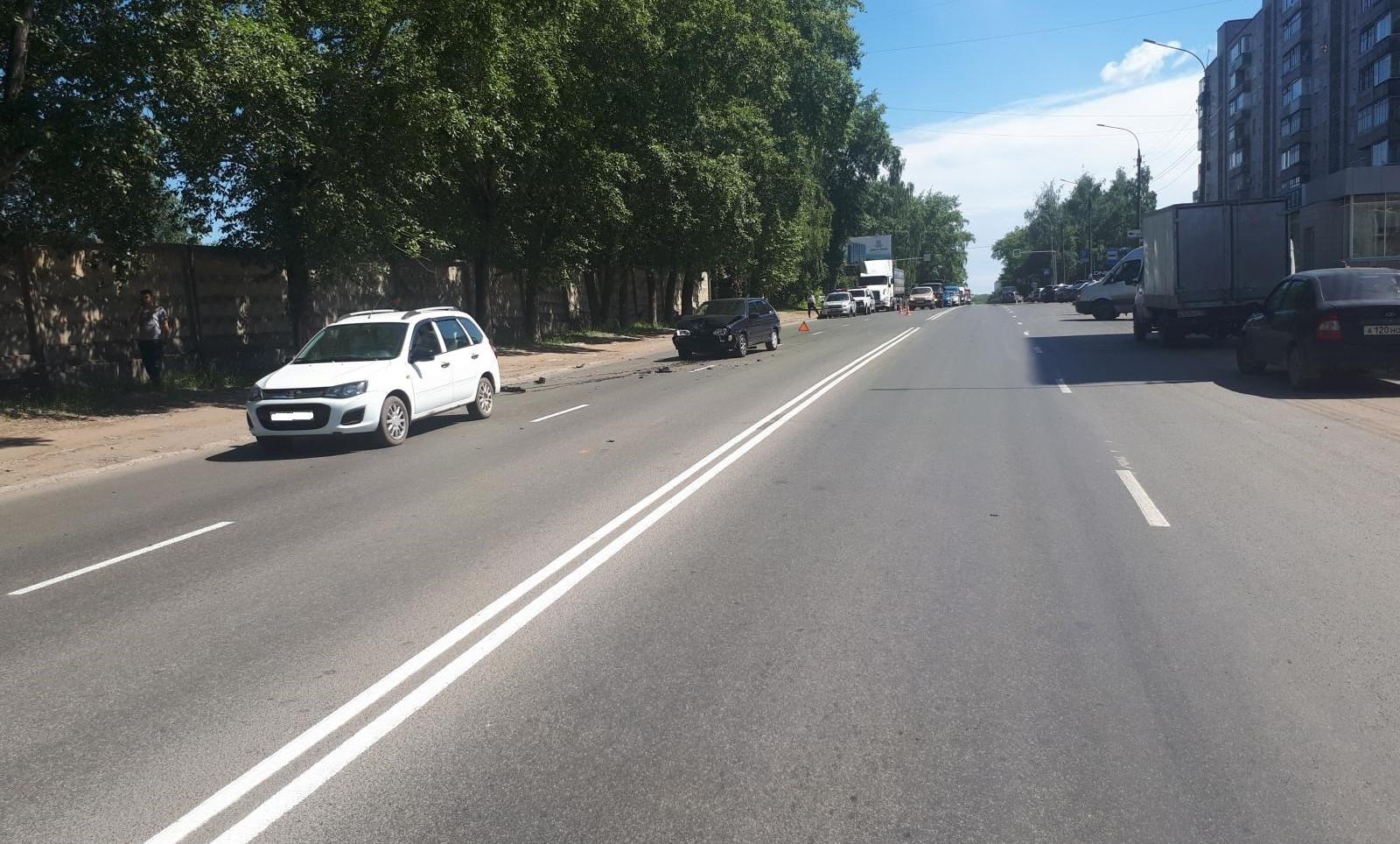 18-летний водитель получил травмы в результате ДТП в Кирове